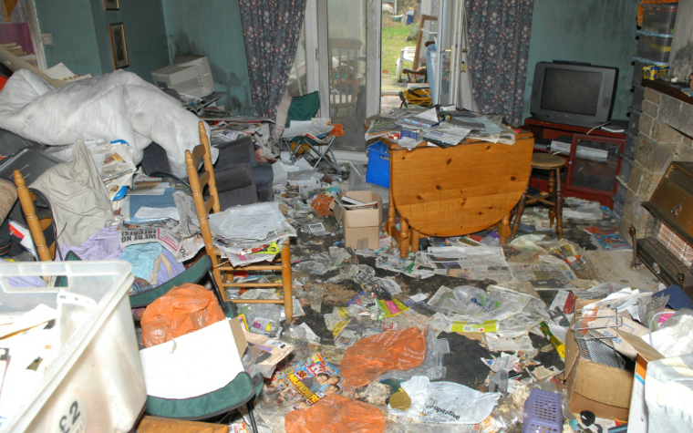 Description_of_image_used_in_webinar_working_with_adults_and_children_who_hoard_hoarders_home