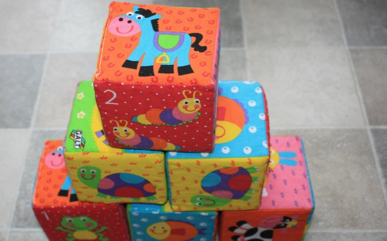 Description_of_image_used_in_child_development_kss_3_toy_bricks_building_blocks_gary_brigden
