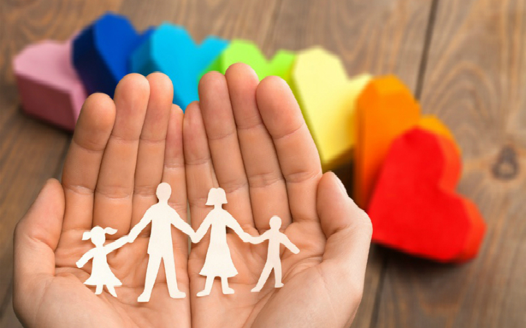 Description_of_image_used_in_making_the_foster_care_placement_family_cutout_in_hands