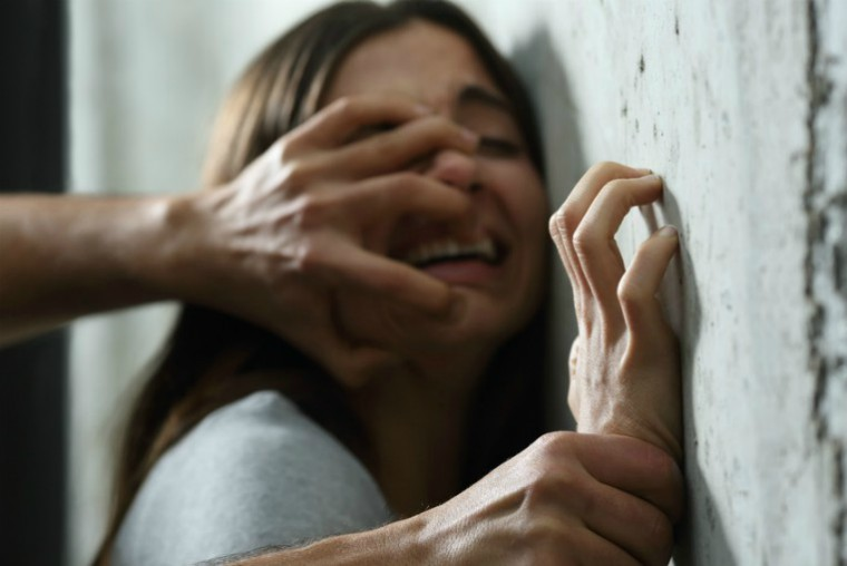 description_of_image_used_in_Dash_domestic_abuse_guide_Antonioguillem_Fotolia