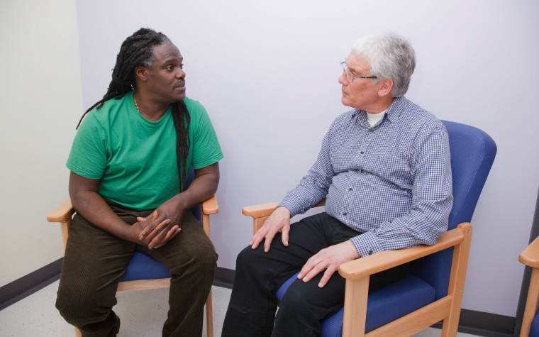 Description_of_image_used_in_mental_health_knowledge_and_practice_hub_counsellor_talking_to_client_JhnBirdsall_REX_Shutterstock