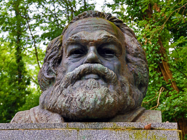 Karl Marx's tomb in Highgate Cemetery
