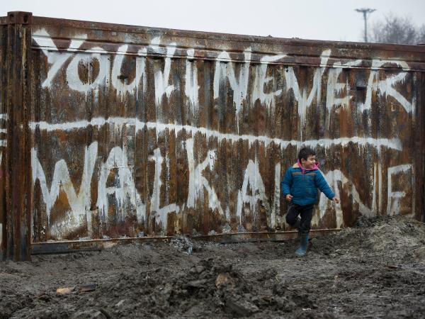 child in refugee camp dunkirk