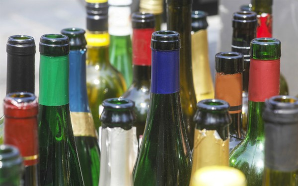 Description_of_image_used_in_alcohol_cc_live_piece_empty_wine_bottles_imagebroker_rex_shutterstock
