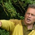 Description_of_image_used_in_honest_inspiring_challenging_chris_packham_aspergers_and_me_chris_packham_on_school_visit_calyx_rex_shutterstock
