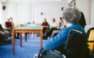 description_of_image_used_in_day_centre_article_older_people_in_room_fotolia_ME