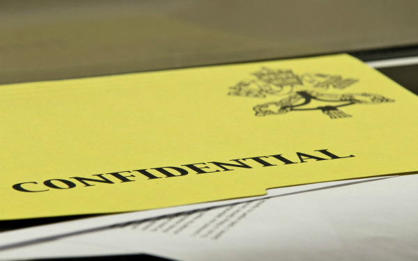 Image of confidential documents (Photo: flickr/ michael_swan)