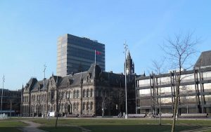 Image of Middlesbrough town hall and civic centre (Credit: Francis Hannaway / Wikimedia Commons)