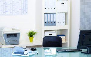 Image of empty desk (credit: Racle Fotodesign / Adobe Stock)