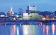 Medway castle at night